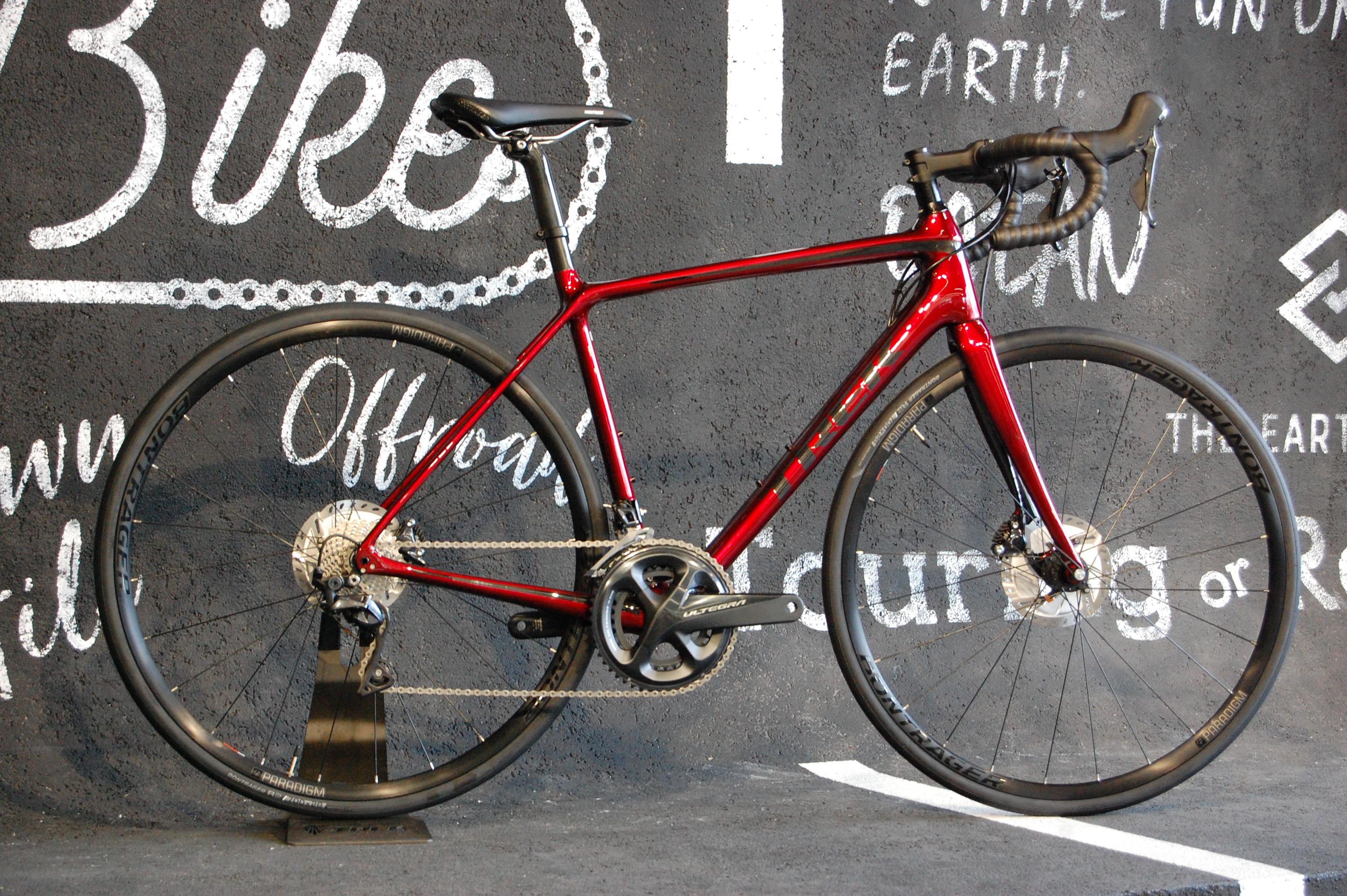 ソリッドな走りに上位グレードのドライブトレインを搭載した、軽量レーシングバイク! TREK(トレック) EMONDA EMONDA SL6D…