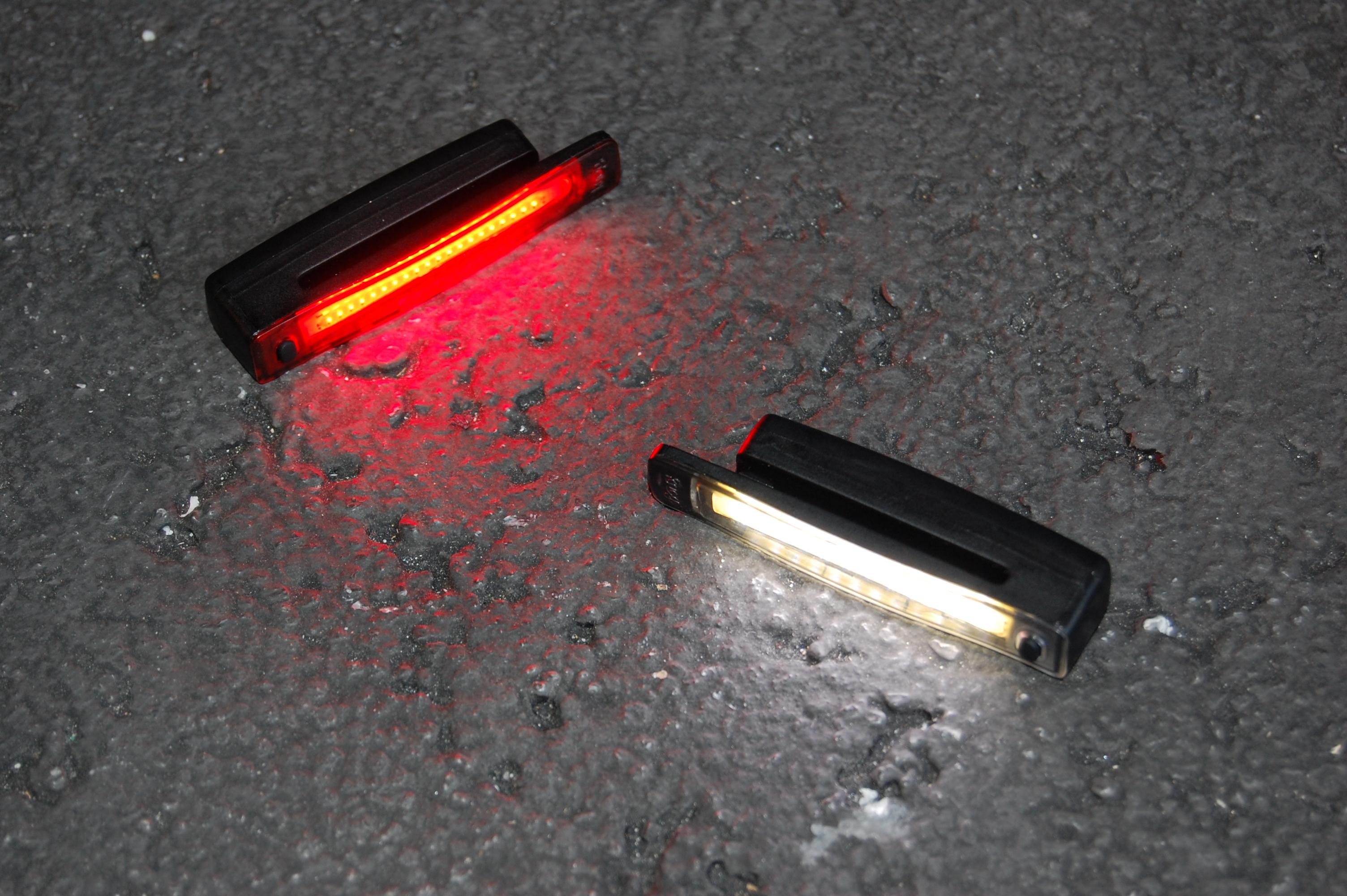メインライトの効果爆発!サポートライトの装着で、視認効果もオシャレもアップ!Knog(ノグ)Plus Light(プラスライト)