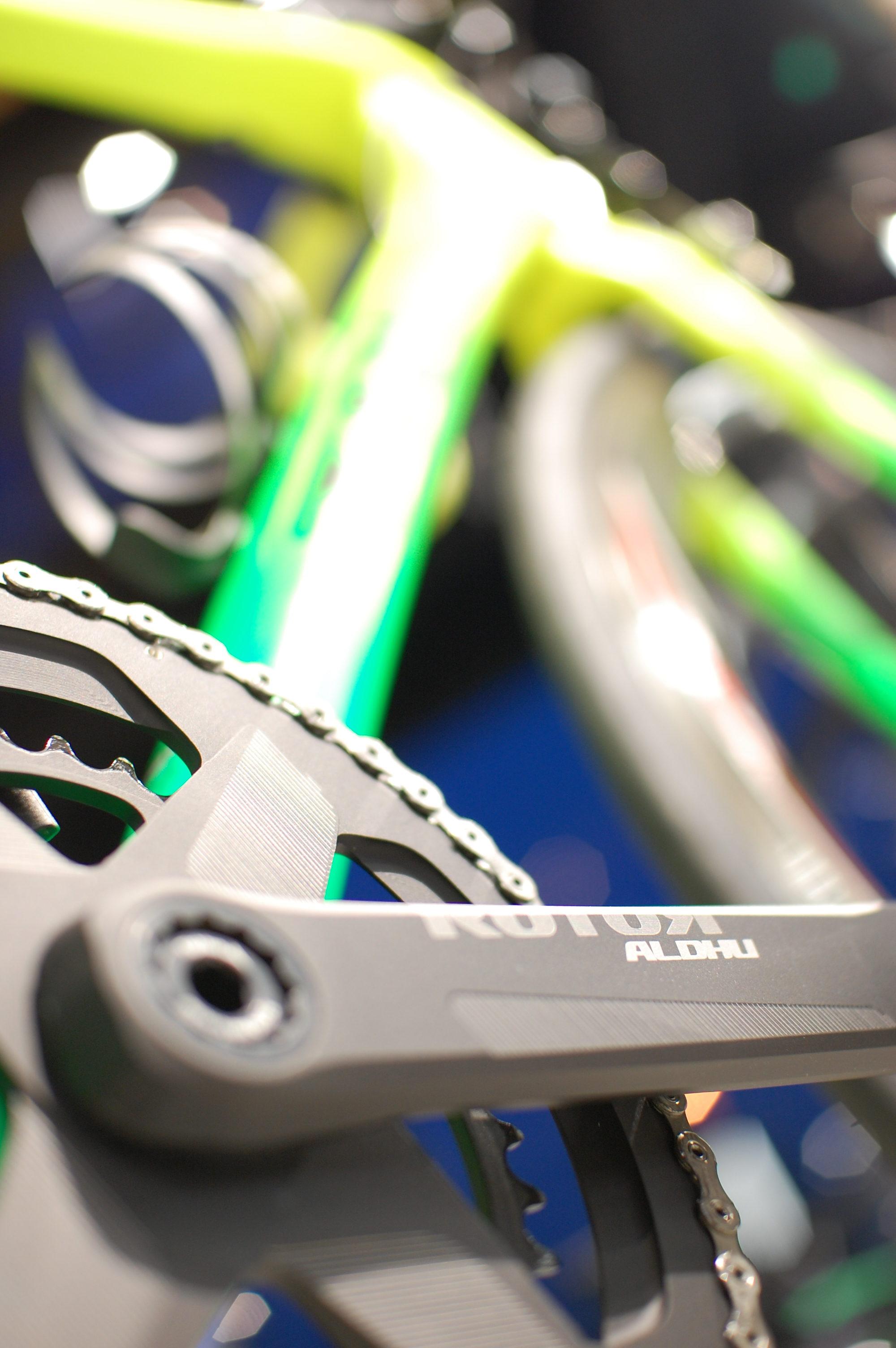 理想のバイクに仕上がるまで!その過程を楽しむ今週のピックアップバイク【TREK(トレック)EMONDA(エモンダ) SLR(エスエルアール)…