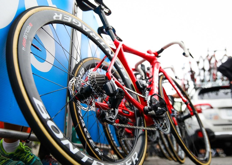 年内最後の大サービス企画!アースバイクスがBONTRAGER(ボントレガー)カーボンホイールのご購入をサポートします!!