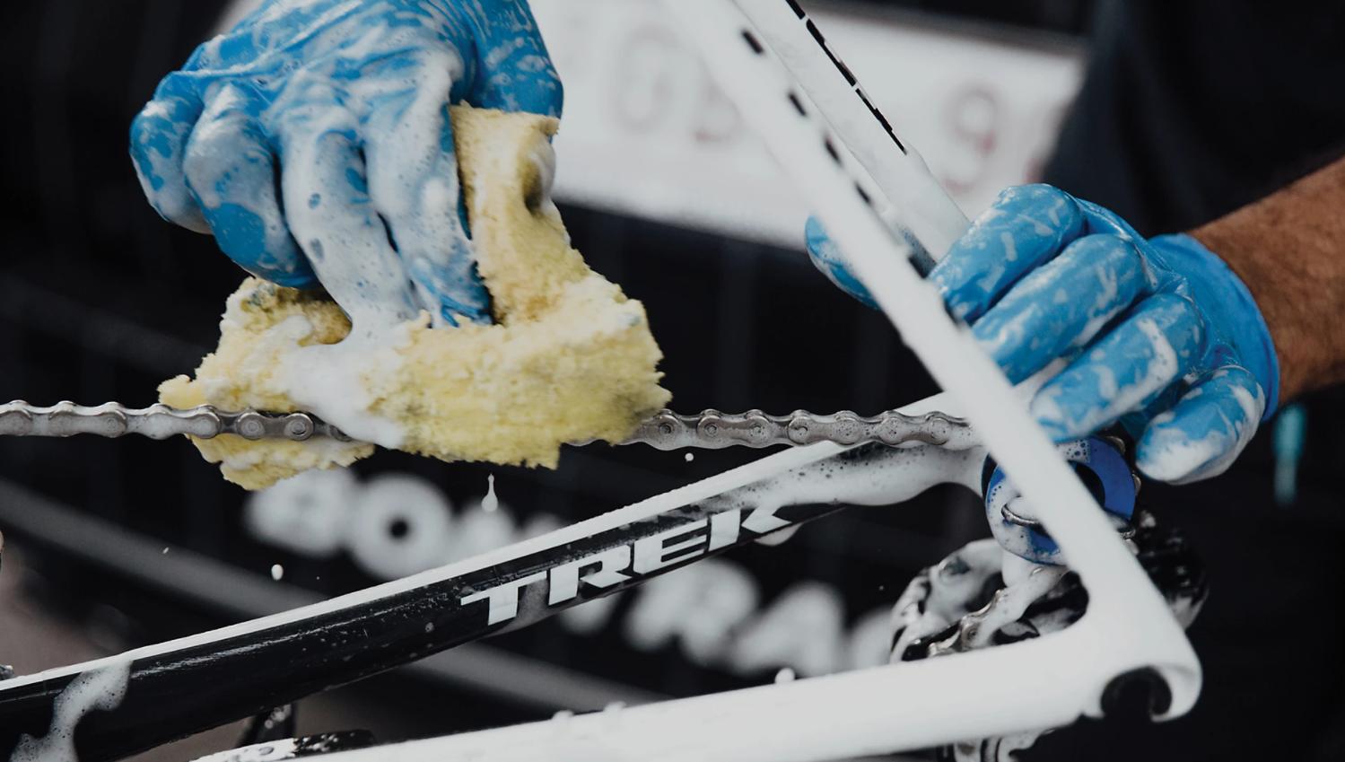 この冬はアースバイクスでオーバーホール!1年頑張った愛車に感謝の気持ちを伝えよう♪